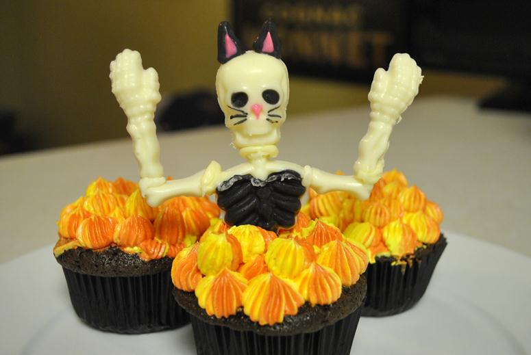 sexy kitten skeleton cupcakes