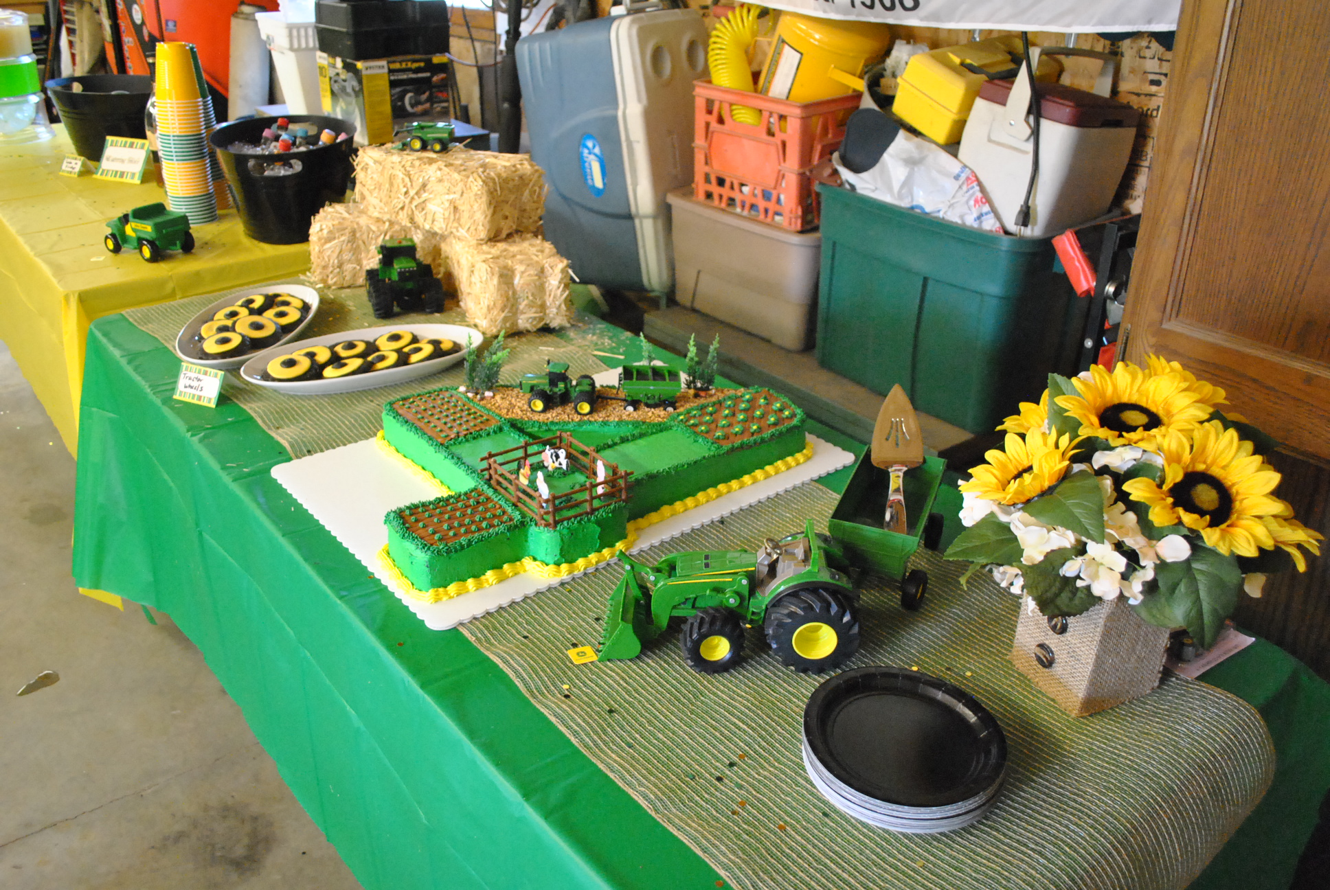 Tractor Themed Birthday Cakes